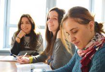 étudiantes à l'étranger